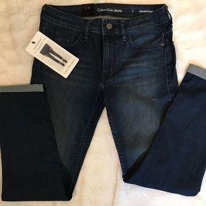 Calvin Klein Jeans Size 2 boyfriend style